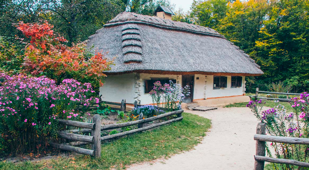 Excursion to the Museum of Folk Architecture and Folkways of Ukraine (Pyrohiv)